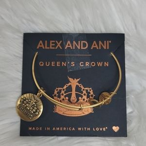 Alex and Ani Queen's Crown bangle bracelet New